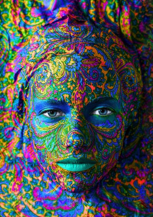 Puzzle Grafika Retrato de Mujer de 2000 Piezas