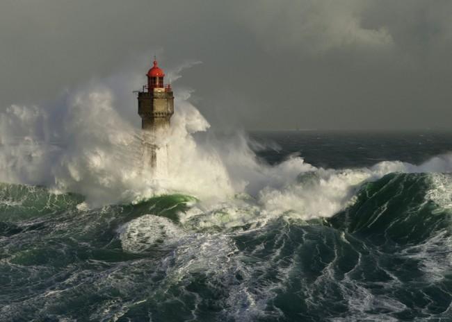 Puzzle Heye Faro en la Tormenta de 1000 Piezas