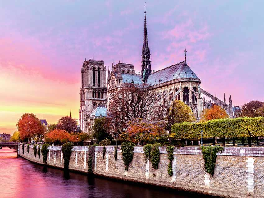 Puzzle Ravensburger Notre Dame al Atardecer de 1500 Piezas