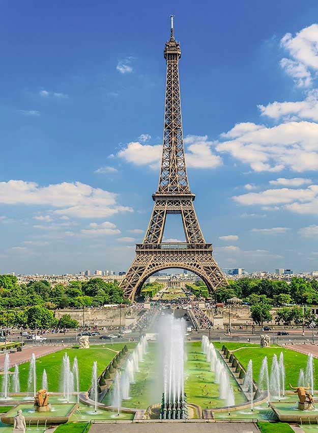 Puzzle Ravensburger Vista hacia la Torre Eiffel 300 Piezas