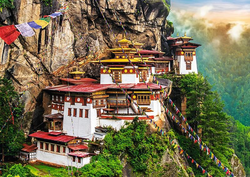 Puzzle Trefl El Nido del Tigre, Bután de 2000 Piezas