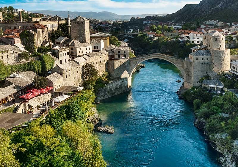 Puzzle Trefl Mostar, Bosnia y Herzegovina de 1000 Piezas
